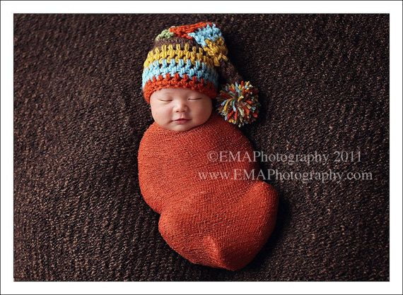 this hat and the booties would go real good! love this hat... too adorable!