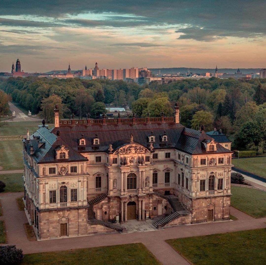 Gefallt 874 Mal 6 Kommentare The Best Of Dresden Thebestofdresden Auf Instagram Present Bild Des Tages Grosser Garten Dresden Grosser Garten Dresden
