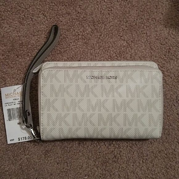 3bbf8673c14b Michael Kors Lg Tech Wristlet Michael Kors Adele large multifunctional  phone case wristlet wallet Pearl grey monogram with silver hardware Fits  most ...