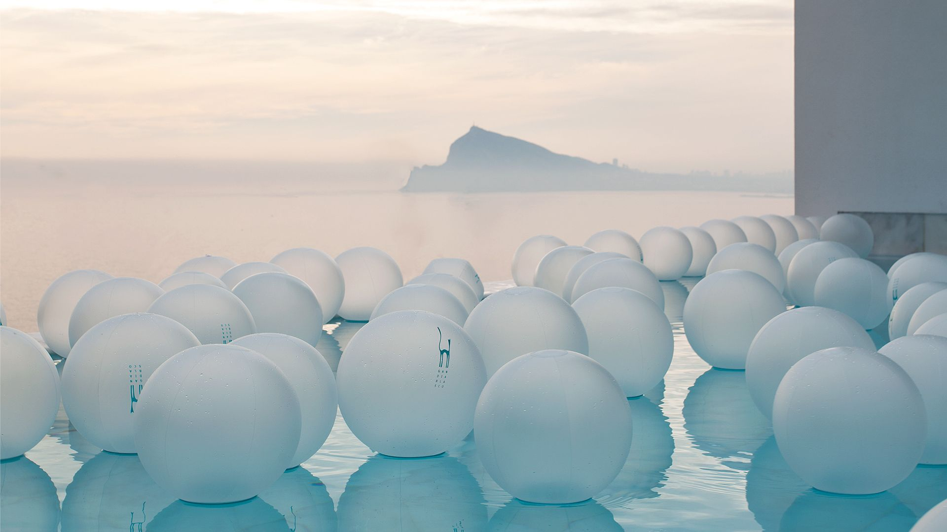 balones-piscina