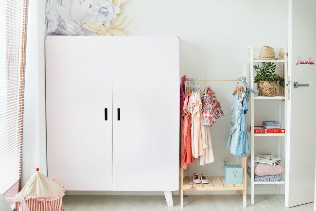 Organizar la zona de ropa en la habitaci n infantil - Organizar habitacion ninos ...