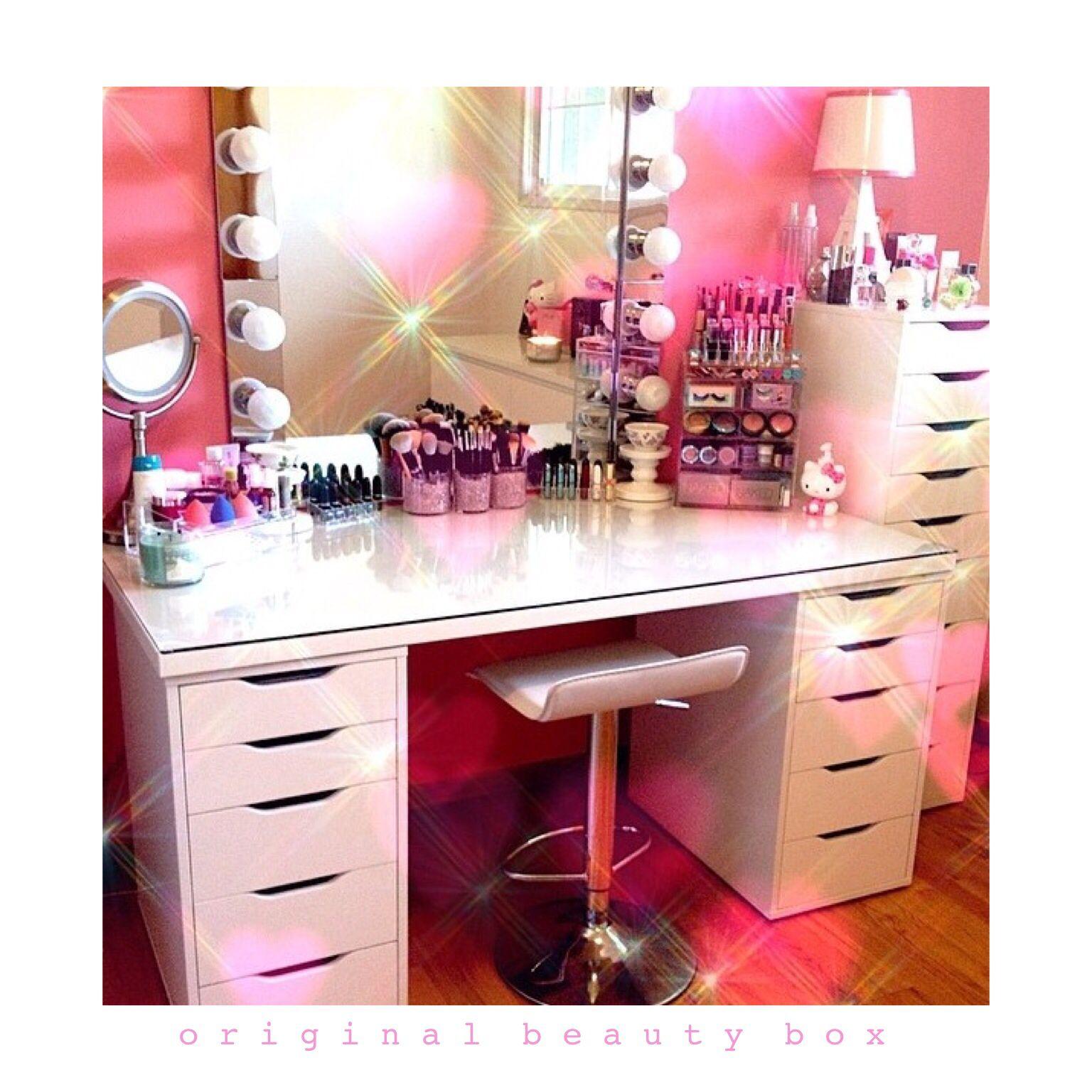 Vanity setup using the Original Beauty Box www