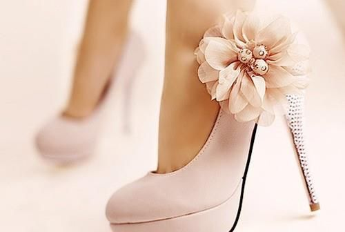 Perfect Light Pink Wedding Pumps With Flower And Silver Rhinestones On Heel