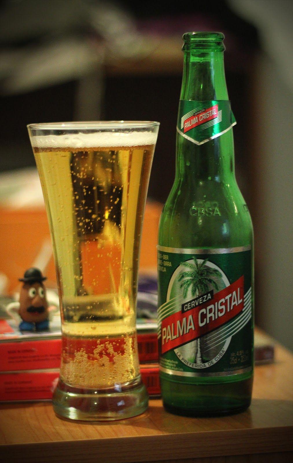 """Palma Cristal. Con un grado de 4.9% esta cerveza se hace llamar la """"Preferida de Cuba"""".  Elaborada por Cervecería Bucanero. País: Cuba"""
