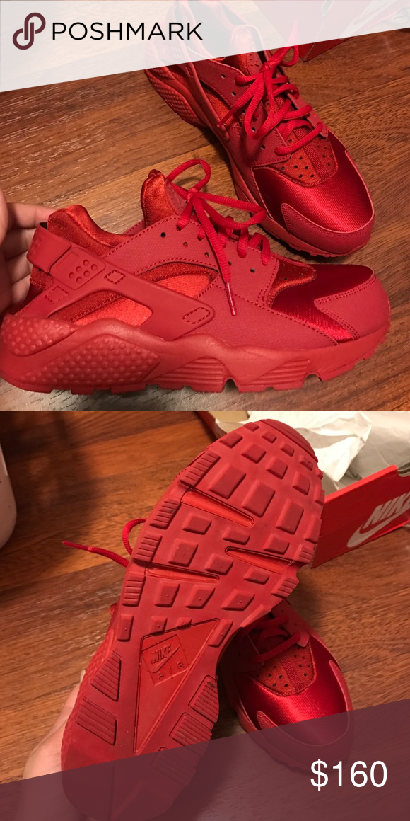 huge discount a67e5 40cb3 Triple Red Nike Huarache Women's Size 9 Triple Red Huaraches ...