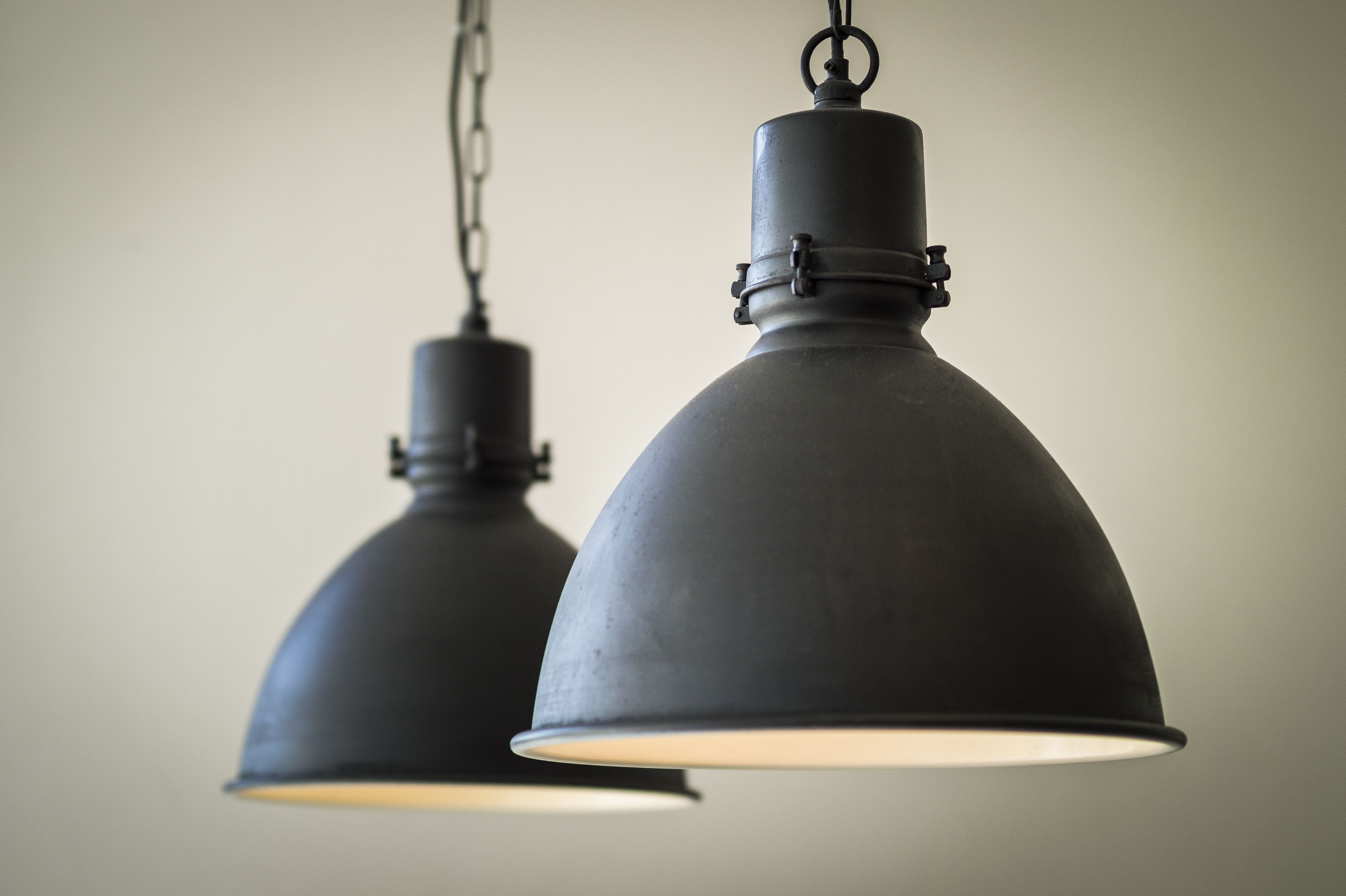 Stoere Keukens Keukenlamp : Fabriekslamp zwart unieke zwarte hanglamp of keukenlamp