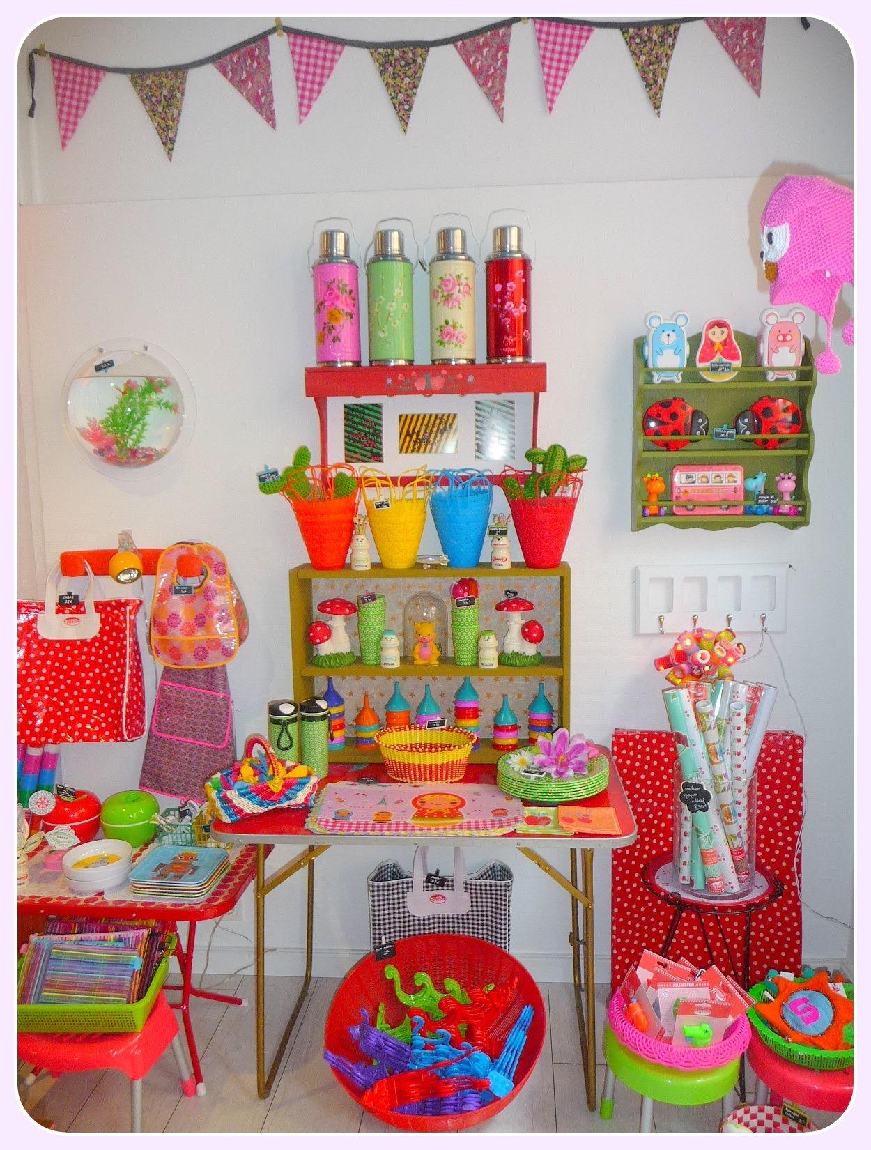 Kitsch corner paillette boutique cr ative pour les for Zimmerdeko london