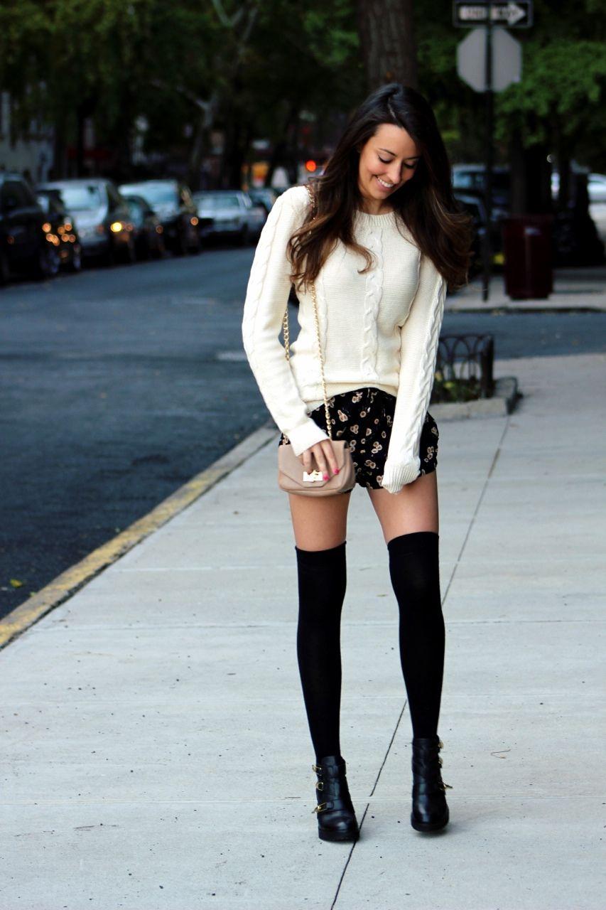 19a6317ed Knee High Socks Outfits-23 Cute Ways to wear Knee High Socks ...