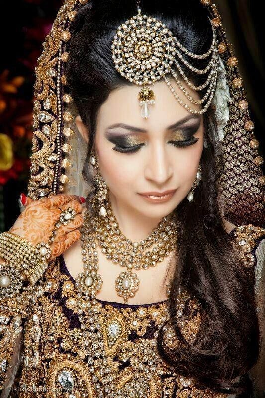 Everything about this is beautiful Pakistani bridal