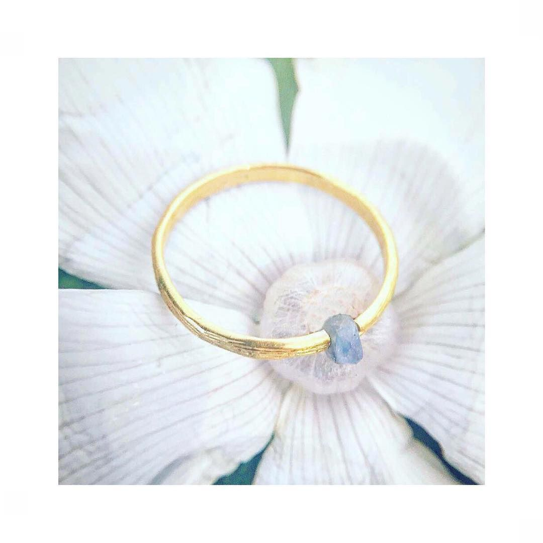 Keep it Simple or Stack w/ others: Koa Ring with Labradorite Gemstone, cast from natural wood in silver and 18k vermeil gold (Ruby and Sapphire also Available)#nature#botanical#gemstones#rings#stacks#natureinspired#stackables#island#flower#beauty#travel#labradorite#handmade#hawaii#catherineweitzman#ジュエリー #ハンドメイド #ハワイ#自然