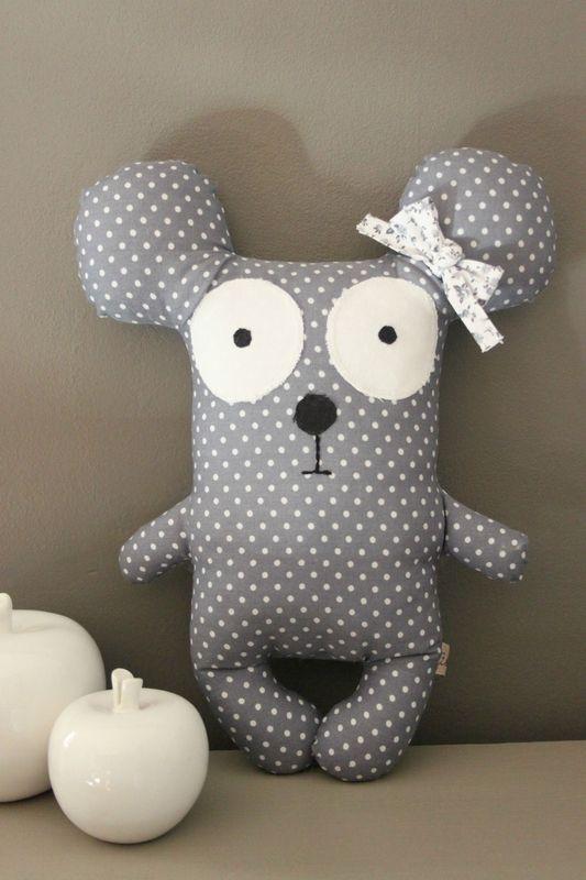Sidonie la souris, doudou décoratif by Zolé ♥ zolee.canalblog.com ♥