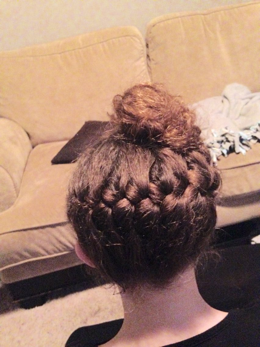 This is a cute easy way bun cute hairstylesnails pinterest