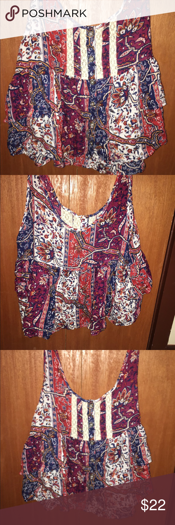 Cropped blouse Gorgeous colors and pattern! Great condition! Tops Crop Tops