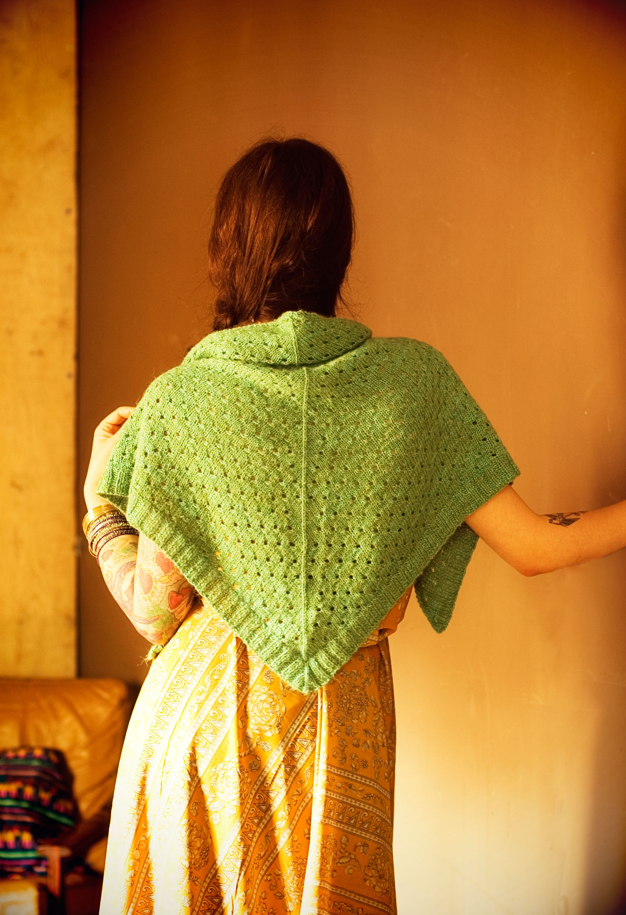 Campfire shawl campfires shawl and free pattern campfire shawl shawl patternsknitting bankloansurffo Image collections