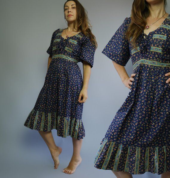 9e90bc5f906e Vintage 70s Boho prairie navy blue romantic dress with ditsy print and  shirt sleeves Ruffle midi skirt Plus size