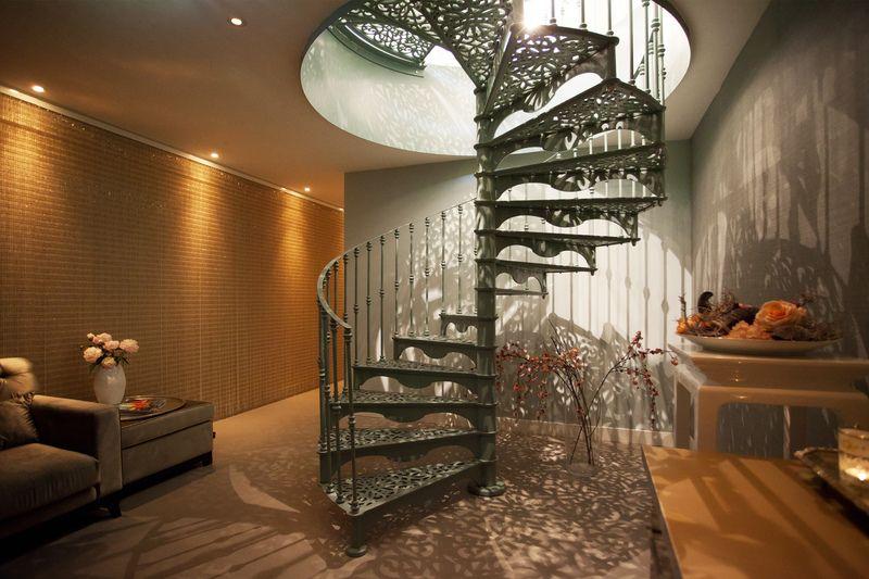 De Mooiste Trappenhuizen : De mooiste stalen trappen in trappen