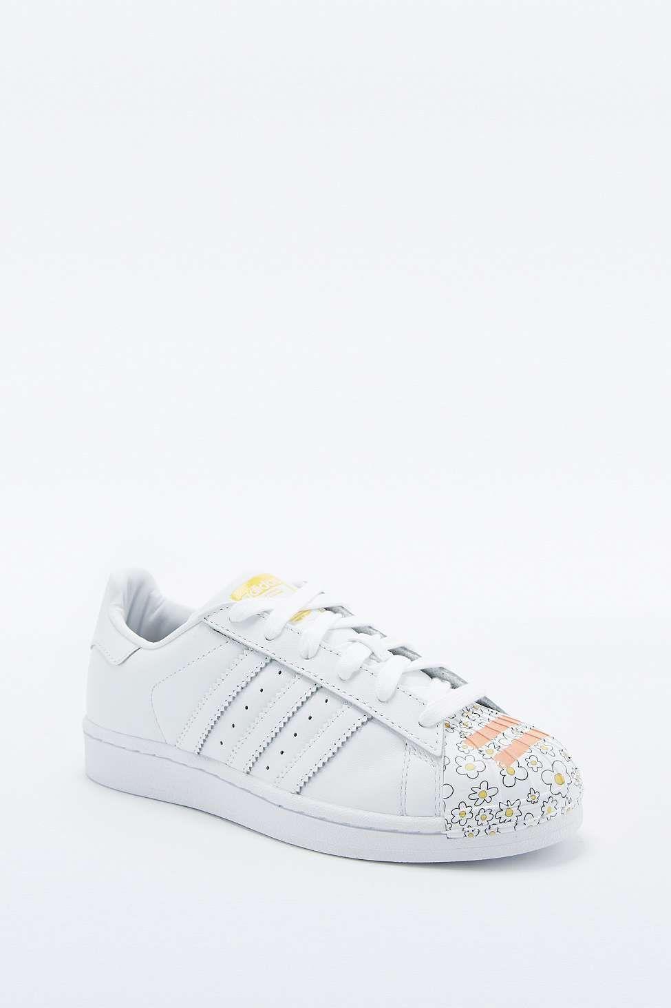 5819e96367000 adidas Originals Pharrell Supershell Superstar White Trainers ...