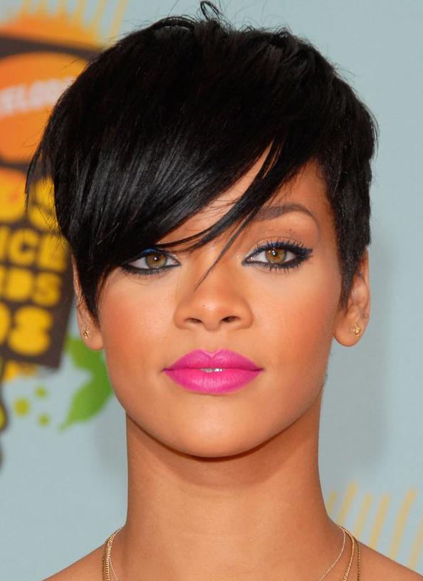 Rihanna | Fashion show 2015 makeup/hair | Rihanna short ...