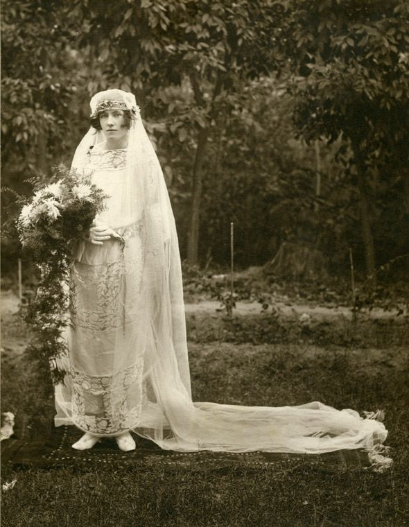A Scottish Bride In India 1920 With Images Wedding Gowns
