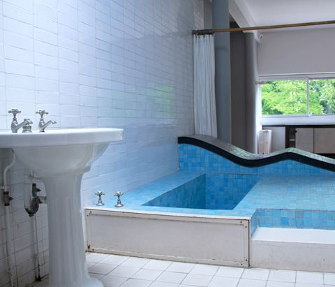 Le corbusier villa savoye le corbusier villa savoye bain - Salle de bain villa savoye ...