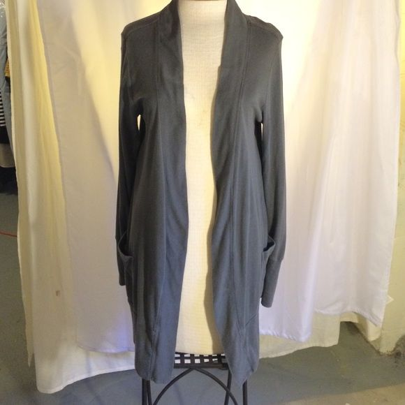 Gap cardigan Open-front, grey cardigan with pockets!  Cotton, casual and very comfortable!  Gap size large b GAP Tops