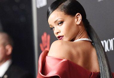 Águas da Vida: Rihanna usa look cheio de glamour em evento benefi...