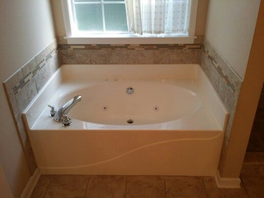 Garden Tub Back Splash Was Replaced Garden Tub Corner Bathtub Tub