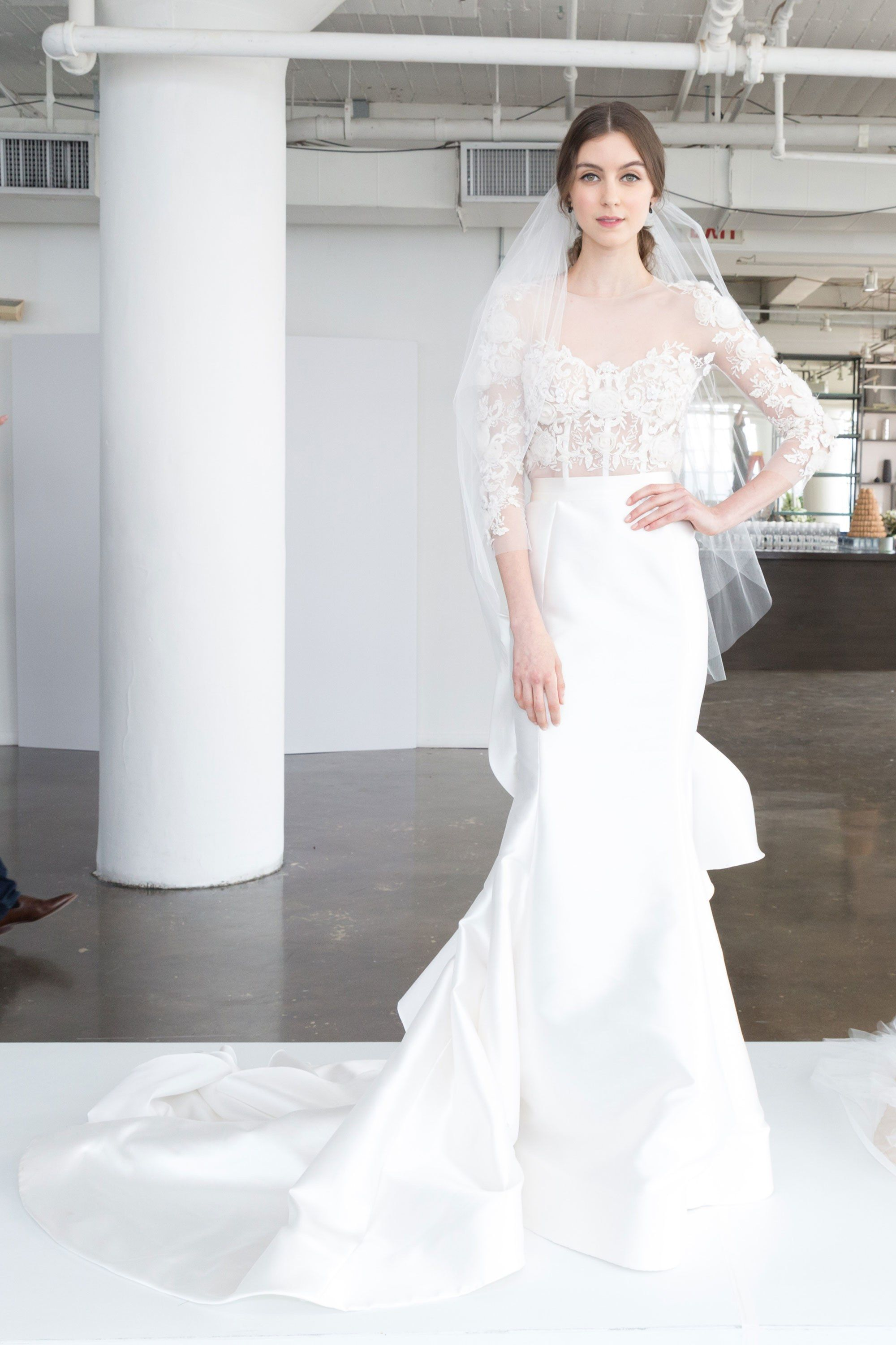 Marchesa Bridal Spring 2018 Collection Photos Vogue Follow Me Melissa Riley For More Modern Wedding Dress Collections Cake Ideas