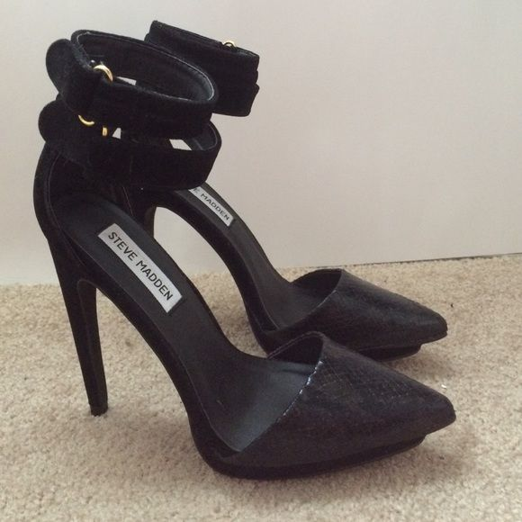 Steve Madden Pumps Brand new Steven madden two straps pumps... Steve Madden Shoes Heels