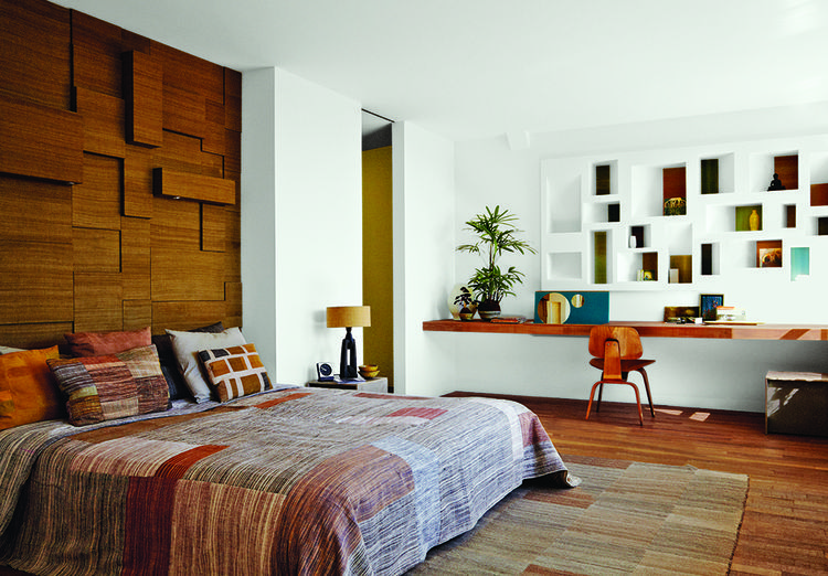 Modern Netherlands 13 Noordeinde Schoolhouse Master Bedroom Indian Silk Headboard Bed And Bath