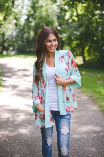 mint and coral kimono outfit- How to style your kimono cardigan ...