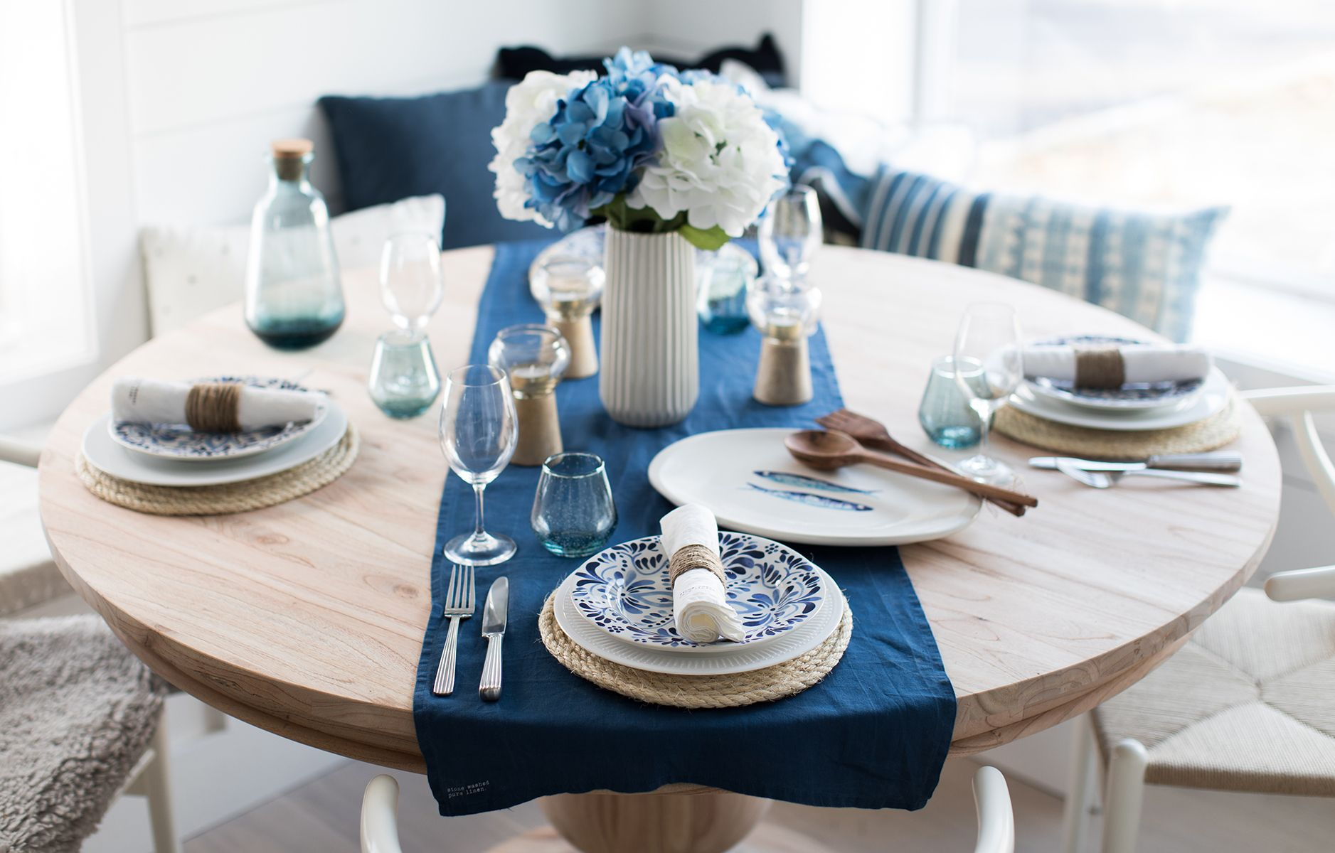 Lovely Idea For A Nautical Themed Tablescape Style