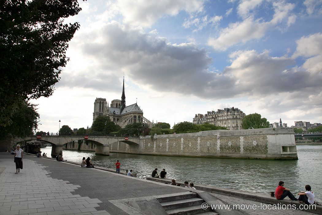 The Bourne Ideny Film Location 2002 Quai De La Tournelle Paris Jason And Marie Spend Their First Night In Car Parked On