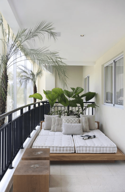 25 Minimalist And Cool Balcony Decoration Ideas