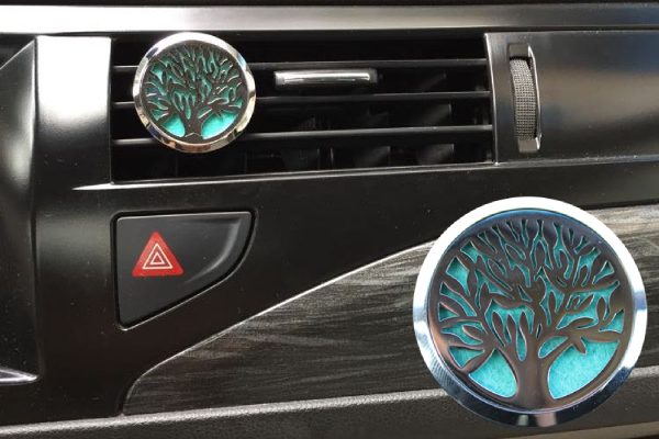 This Essential Oil Car Diffuser Makes Every Car Ride Better ...