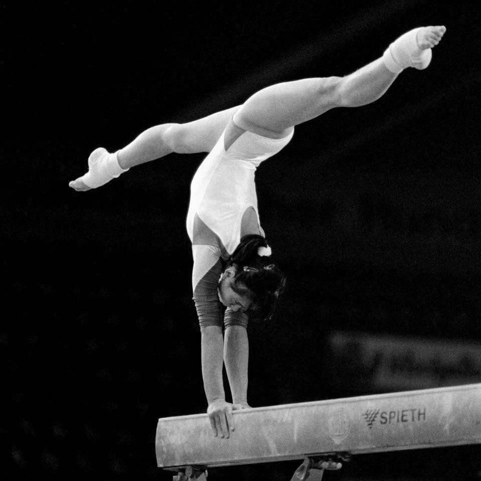 black-white-gymnastics-pics