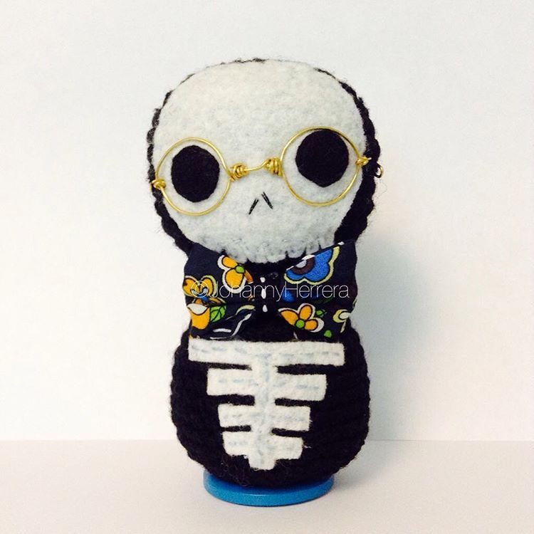 The Nerd #amigurumi #crochet #skull #skullgurumi #handmade #kawaii ...