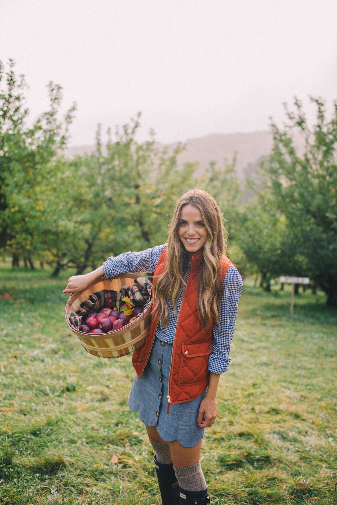 Gal Meets Glam Apple Picking In Vermont