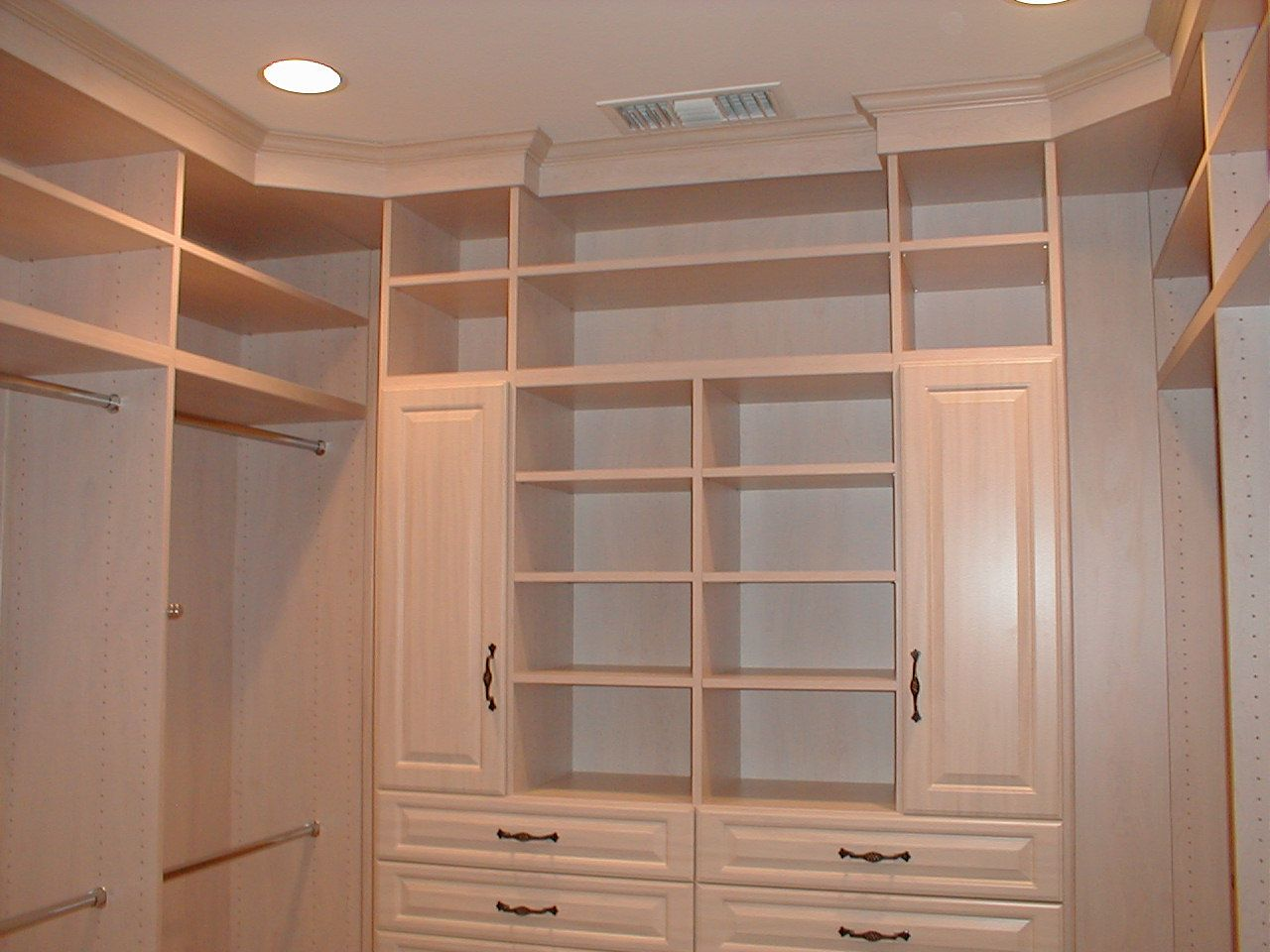 Charming white wardrobe storage organizations walk in for Designs for walk in closets