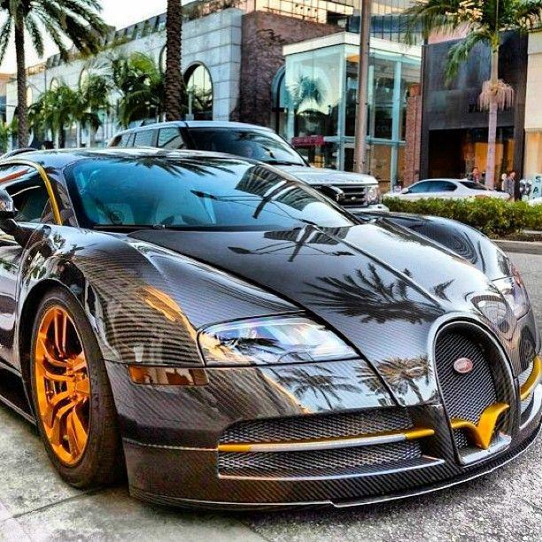 La @Bugatti #Veyron, Une Voiture Sublime ! Retrouvez La