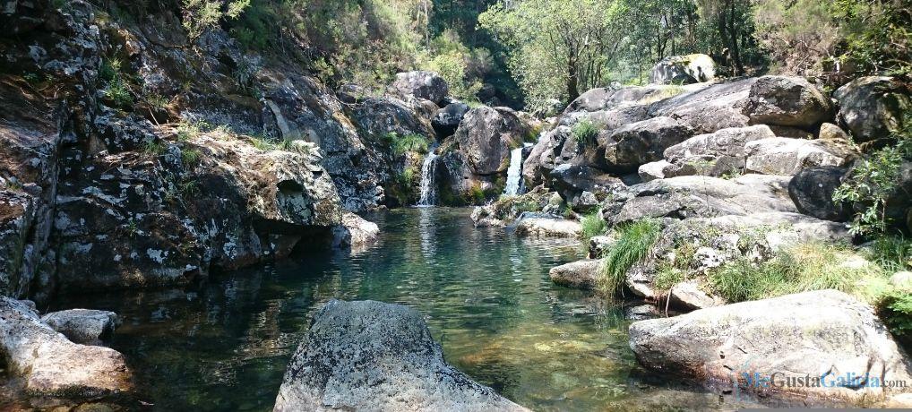 Piscinas Naturales Rio Pedras En A Curota Piscinas Piscinas Naturales Natural
