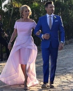 The Most Stylish Celebrity Mothers Of The Bride Mother Of Bride