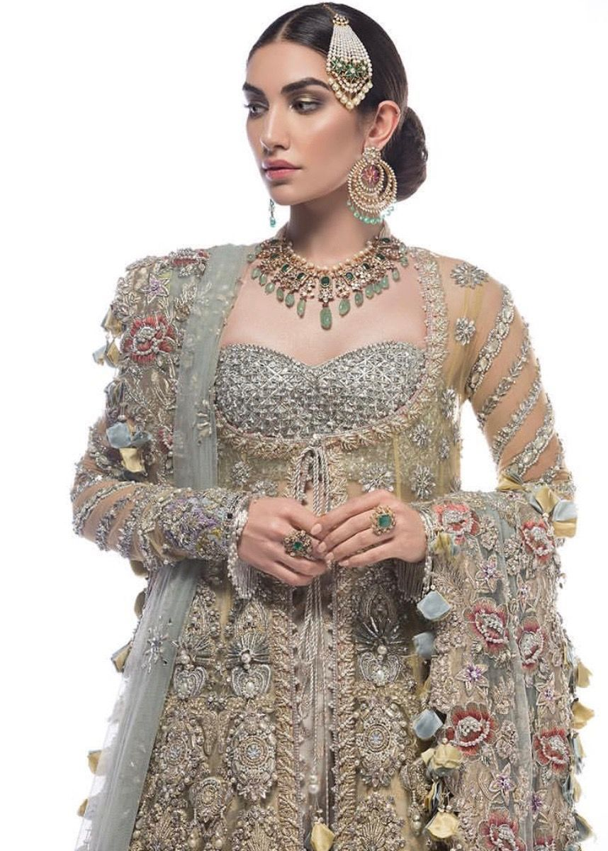 47++ Red and gold indian wedding dresses ideas