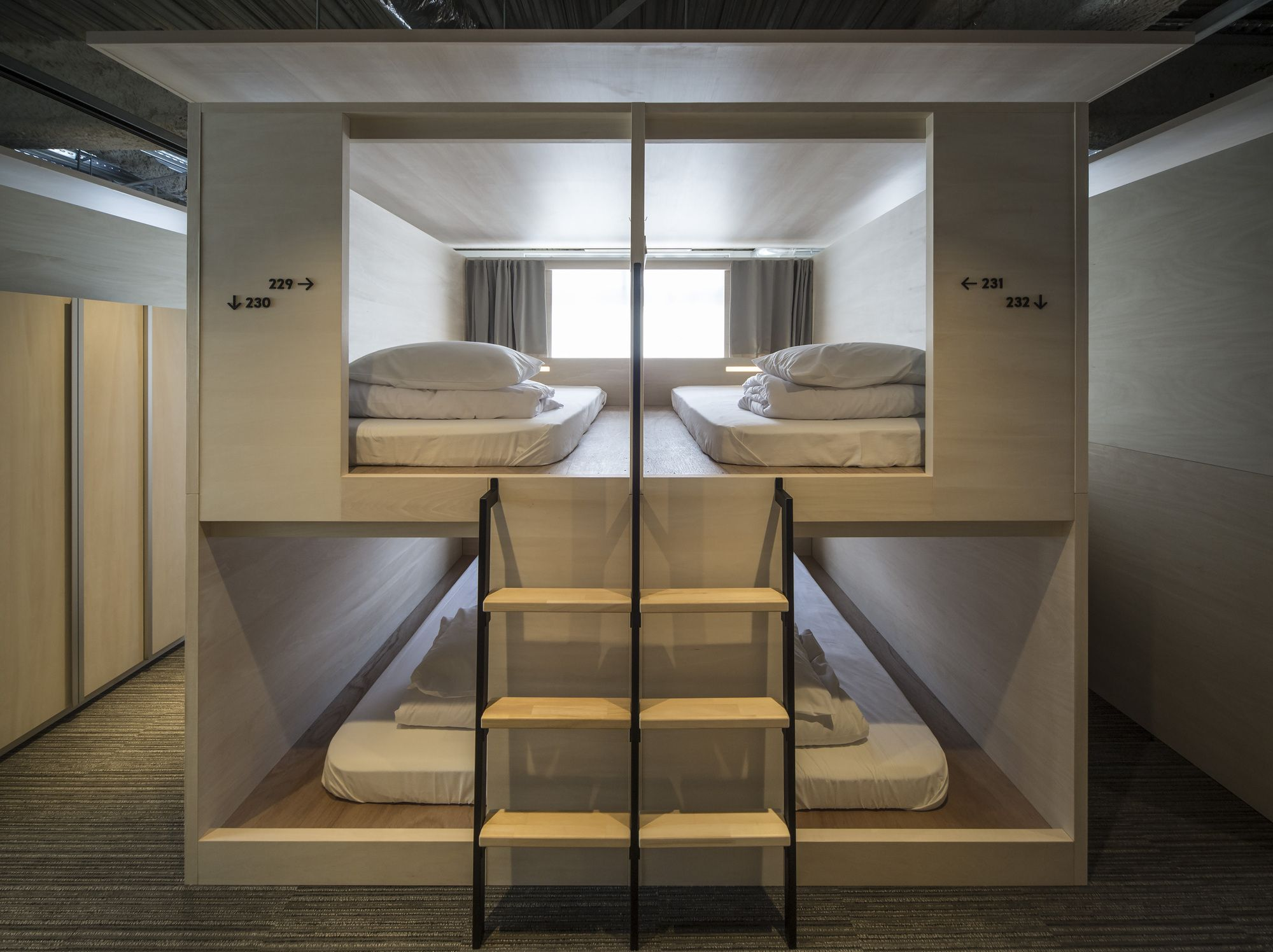 Capsule Hotel Design