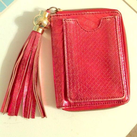 8a57d5b95ff ⬇️PRICE DROP⬇ Steve Madden Red/Gold Tassel Wallet Gorgeous Steve Madden  wallet