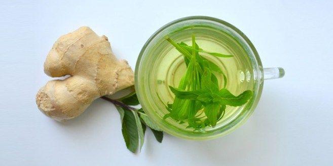 1. HetKleurrijke Drankje: 1Paprika 3 Wortelen 1 Medium Komkommer Een halve citroen 1 Appel Persalle ingrediënten samen in de juicer. Een paar glazen per dag doet wonderen voor uw lever en de ver…