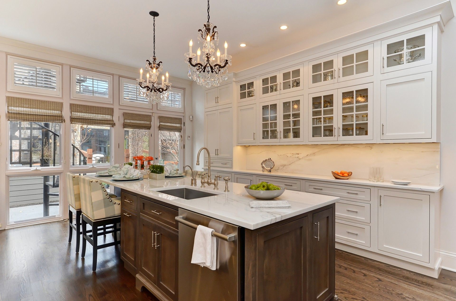 A kitchen in Chicago was remodeled and taken to new ...