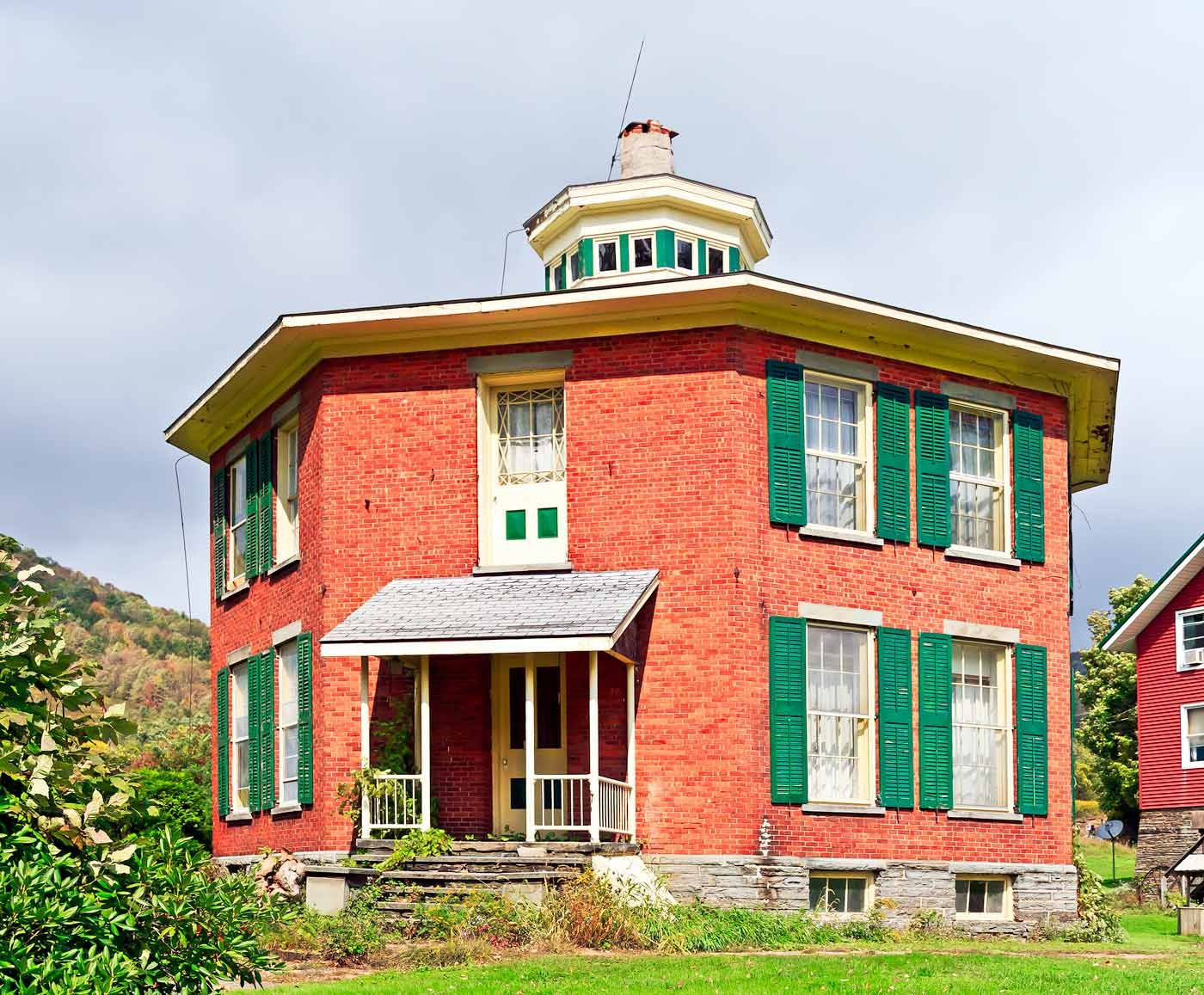 octagon house and farm bed breakfast 34055 state highway 10