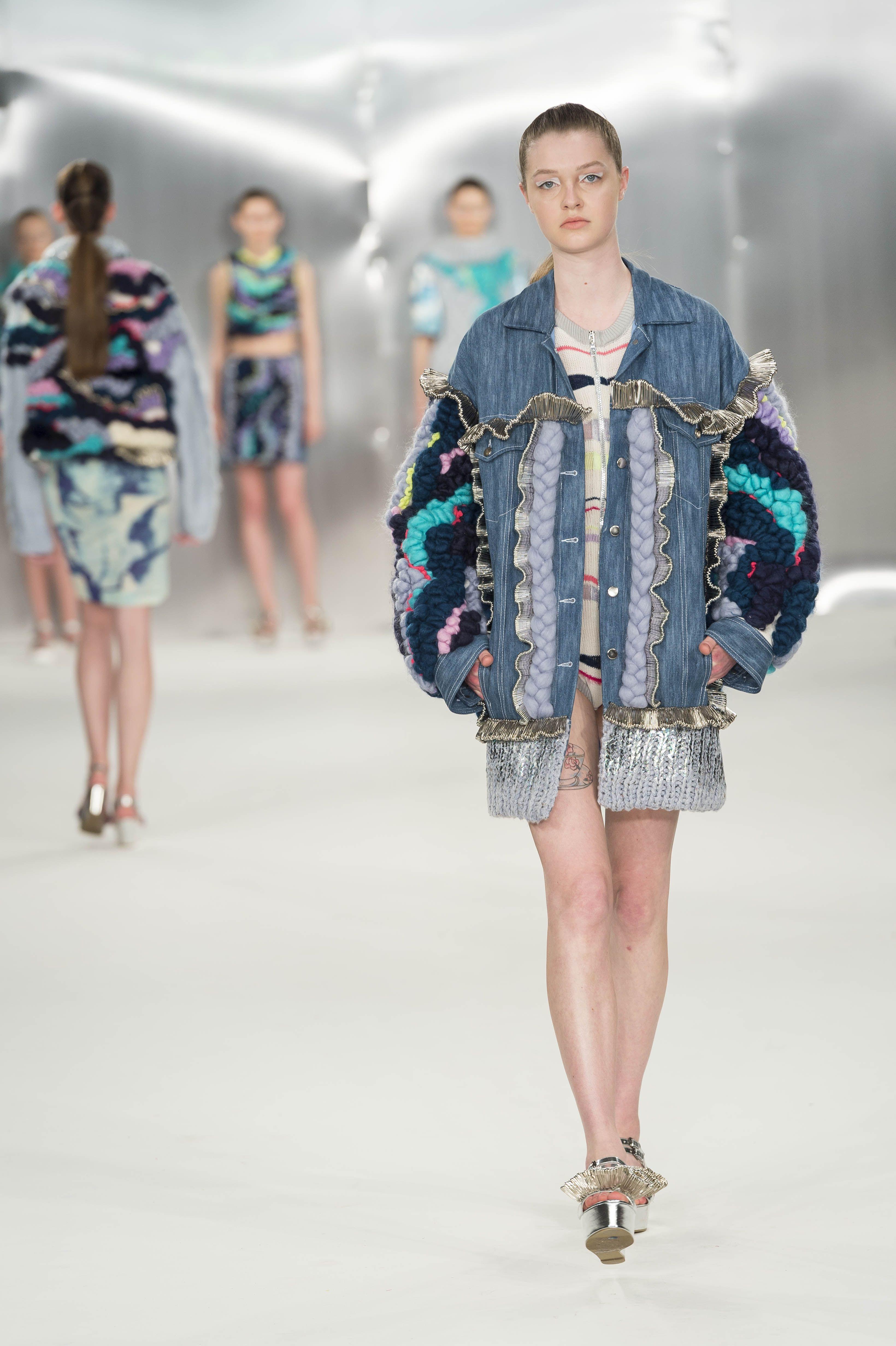 Design By De Montfort University Dmu Fashion Design Student Imogen Abbot On The Catwalk At Graduate Fashio Colorful Fashion Textiles Fashion Textures Fashion