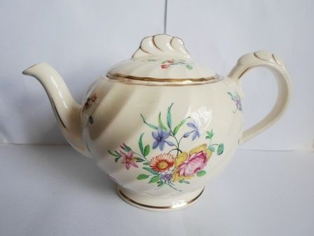 English Porcelain - LOVELY!! CLARICE CLIFF REPRODUCTION OF OLD BRISTOL PORCELAIN TEA POT WOW!!! for sale in Cape Town (ID:242692825)
